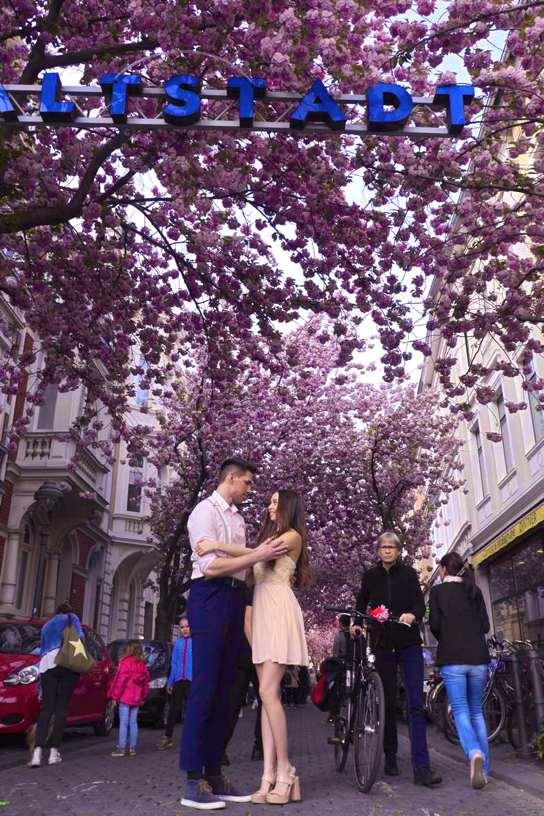 Kirschblüte_Bonn_Paarschooting_Hochzeitsfotograf_LOVE_Düsseldorf_NRWi4WjB